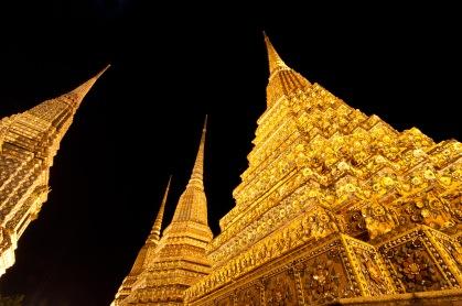 Detales de estupas em Wat Po